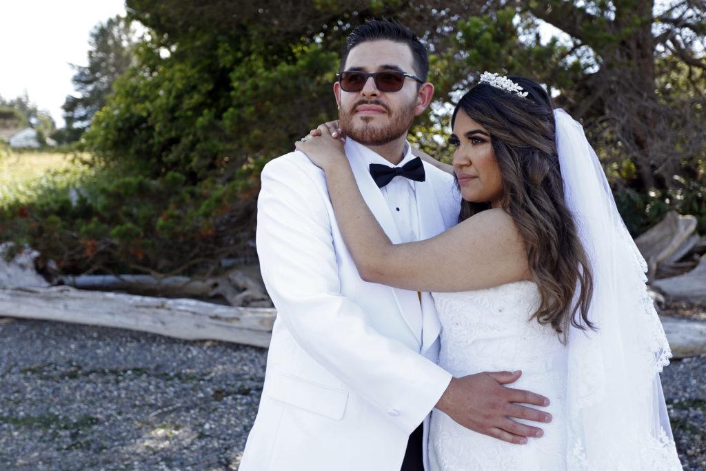 beach wedding in Oak Harbor, washington