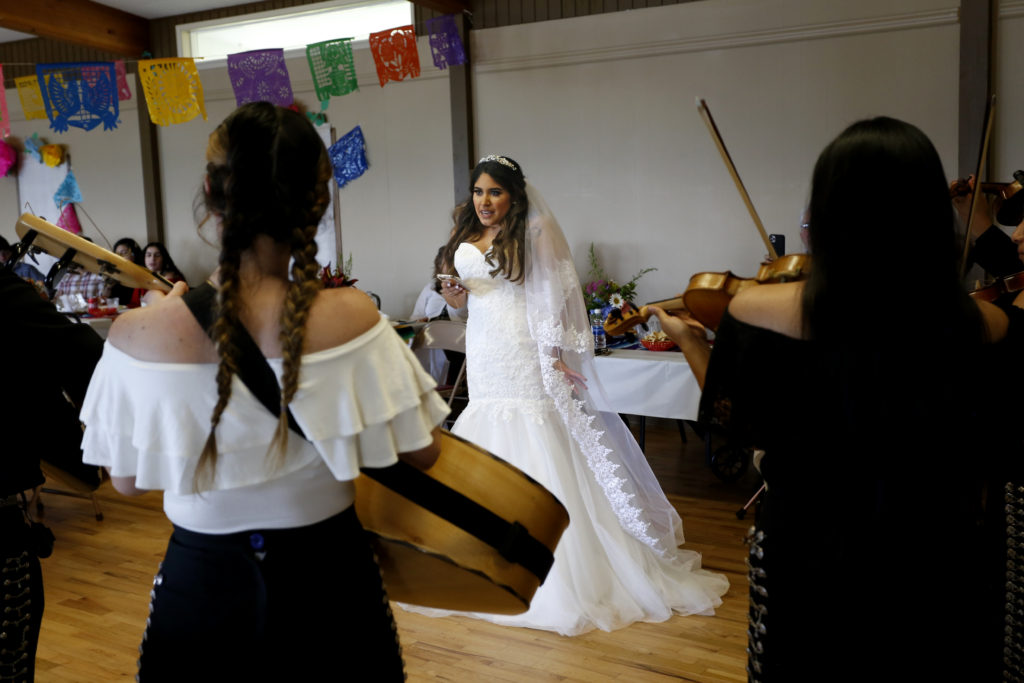 bride singing at skagit county wedding photography
